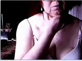 Excited grandma on webcam flashes her saggy big melons