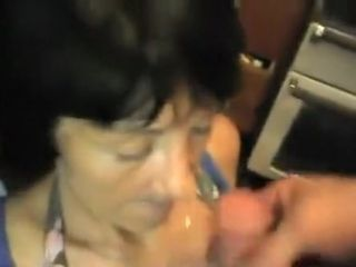 Cock loving granny loves to suck hard cock and gets mouth filled with fresh cum
