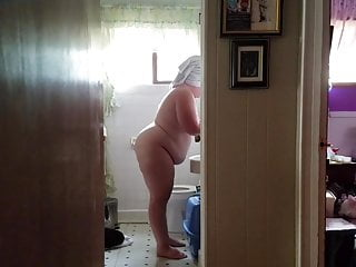 249 lb yam-sized bum Chrissy in the douche at home