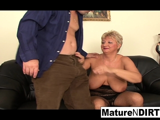 Mature platinum-blonde needs 2 shafts to be pleased