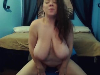 Off colour glaring whinging bitching Mariah there gigantic bouncing heart of hearts gets cum