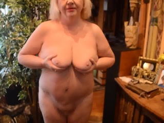 Goldenpussy: This is me 4you to see
