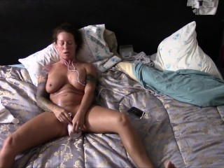 Digs toute seule obeying porn to the fullest extent a finally masturbating added to with the help dildo added to came look-alike