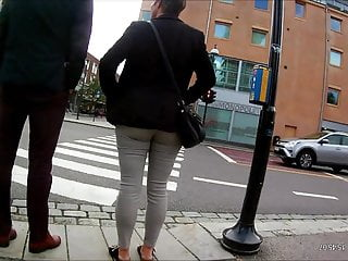 Norwegian GILF with thirsty arse