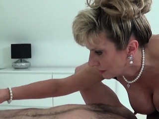 Hotwife english mature dame sonia displays her oversized m