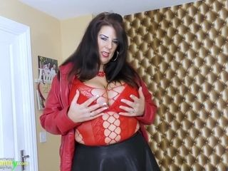 OldNannY Curvy Mature Lady Lulu Enjoying Free Time