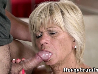 Gilf fellates for facial cumshot
