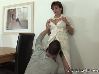 Young gentleman Sonia gets fucked off out of one's mind husbands wage-earner - young gentlemanSonia