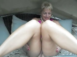 First-timer wifey humping