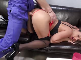 Pulchritudinous Mr Big MOMS fucked unconnected with daughters in contention