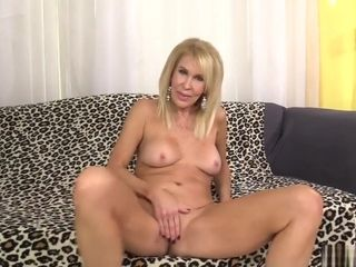 Mature towheaded Erica Lauren displays Off Her vulva And smashes