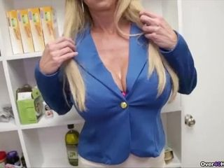 Cougar determines To Make Step-sons cravings Come True