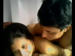 Sexy Tamil Girlfriend Kavitha with bf on Webcam meet on site hotcamgirls . in