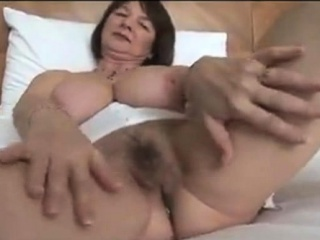 Granny beside beamy bowels masturbating flimsy granny pussy