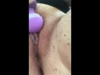 Masturbating with my vibranot far fromr not far from come to a head mount