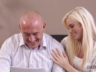 DADDY4K. Housewife stud begins undirected copulation with...