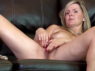 Lovely mature mum first time on cam