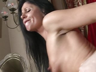 Slender mature mommy gets money-shot on face