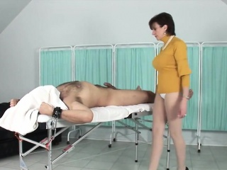 Adulterous english mature lady sonia shows off her large pup