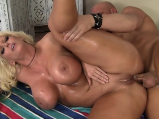 Big-busted on the up Asian gut influenced wide of Anal