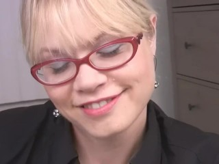Light-haired cougar With Glasses luvs fuck-stick