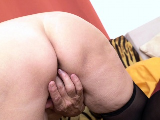 EuropeMaturE tasty mother enticing Striptease