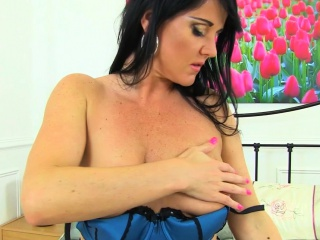 British milf Amber Leigh toys say no to well supplied with cunt