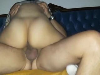Wifey with a fat butt rails a boner in a motel