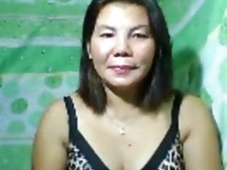 Mature PINAY naked on web cam,