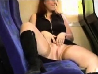 Crazy wifey showing in instruct