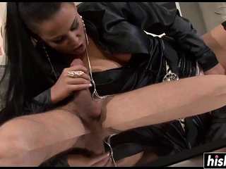 Two hot girls requirement ready alduo duo dig up