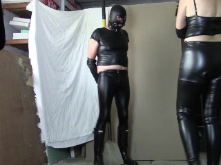 Leather domina, leather victim (Part two: wanking in leather opera gloves)