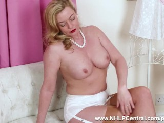 Super-naughty light-haired cougar Holly smooch thumbs sweet vulva in antique nylons stilettos