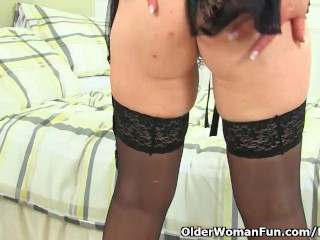 UK milf Sabrina gouge out grit cheer you give say no to chunky hangers
